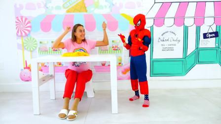 萌娃小可爱变身成了蜘蛛侠,小家伙可真会玩呢!—萌娃:妈妈,我的蜘蛛网不起作用啦!