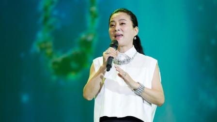 李玲玉亲唱邓丽君的《难忘的初恋情人》,好好听呀,唱的太走心了