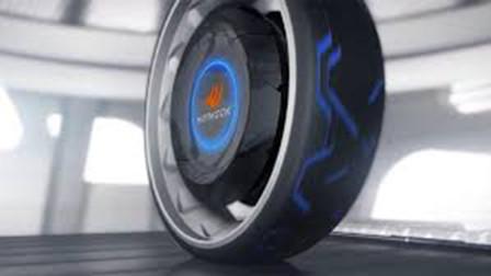 21岁小伙发明磁悬浮轮胎,引得富商争先抢购专利,却全部被拒绝!