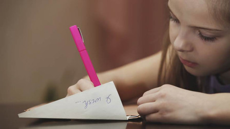 太暖心!女孩连续6年给去世父亲写信,没想到今年竟收到了回信