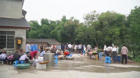 四川农村老人过寿,家家户户都去帮忙,城里人无法看到的景象