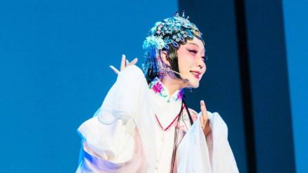 李玉刚演唱《新贵妃醉酒》,一开口就惊艳四座,熟悉的旋律太好听