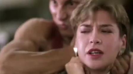 皇家师姐:匪徒本想劫持人质,没想到人质比他还能打,尴尬了