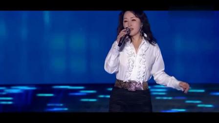 杨钰莹动情独唱《心雨》,岗岗的甜美歌声沁人心肺
