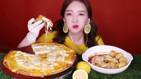 吃播:韩国美女吃货试吃水果披萨,配上柠檬甜点,吃得贼过瘾!