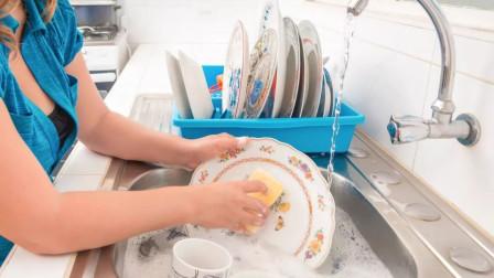 """碗不洗先泡着,到4小时不洗碗等于""""吃毒""""?告诉你真相"""