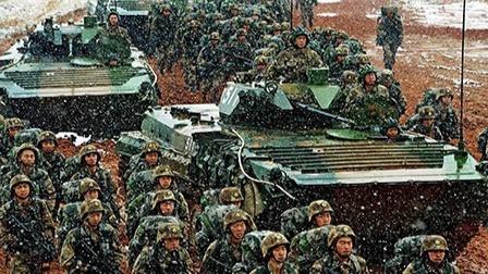 """中国军力发展道路为何""""先苏后美""""?"""