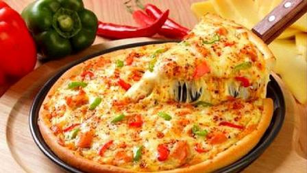 培根披萨,做法简单味道超赞,能把面发好就可以了