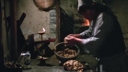杂家小子:洪金宝做烤鸡,看起来金黄焦翠,吃起来更是香啊