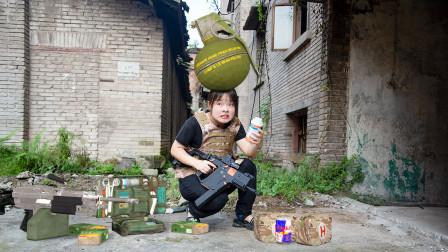 和平精英真人版:沙雕玩家贪心捡装备,落入敌人陷阱惨遭手雷炸死