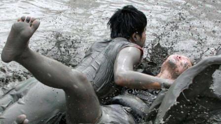 日本最奇葩的泥浆节,挖泥浆抹遍全身,长得漂亮的小姐姐太吃亏