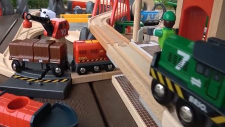 幼兒趣味益智 拼裝托馬斯小火車立交橋木質軌道玩具