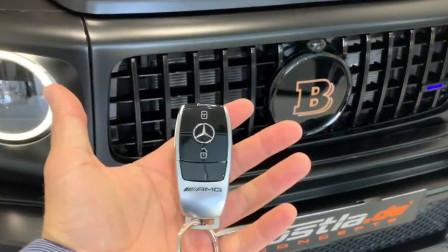 800万的2020款奔驰巴博斯G700,按下钥匙打开车门,我心动了