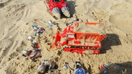 带挖掘机工程车到海边玩,在沙滩上挖沙玩乐,发现奥特曼战士玩具