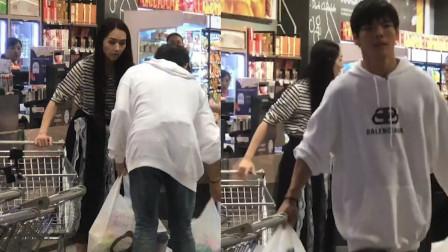肚子有情况?网遇郭碧婷夫妇超市大购物,6袋商品母婴用品居多