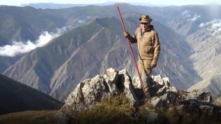 普京生日怎么过?西伯利亚荒野采蘑菇