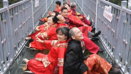浪漫迎重阳!长沙银婚老人拍集体复古结婚照