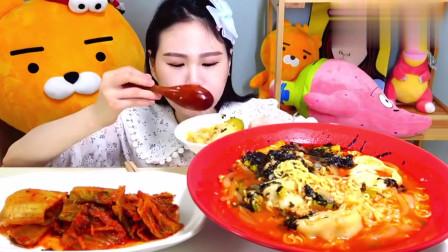 韩国吃播大胃王卡妹吃播紫菜芝麻泡菜汤