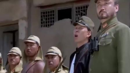 举起手来:大公鸡为了吃蟋蟀,结果不小心啄到了扳机,太搞笑了!