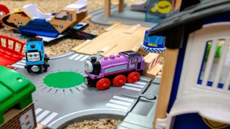 积木火车轨道托马斯小火车玩具套装,托马斯和他的朋友们