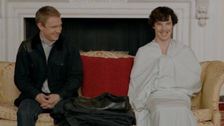 神探夏洛克:花生与卷福坐在皇宫,突然笑了起来,还想偷烟灰缸