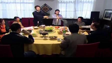 好人李成功:饭桌上他逼美女喝酒,多亏他帮她挡住酒,喝醉竟说这
