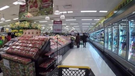 韩国超市高大上,著名的BR冰淇淋以及汉堡王等品牌都有入驻,商品类型琳琅满目