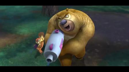 """熊出没:蓝莓熊二VS红莓吉吉,熊二这枪法确定不是""""人体描边""""?"""