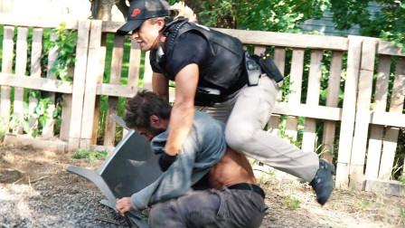 实拍赏金猎人抓逃犯,装备一应俱全,堪比美国警察!