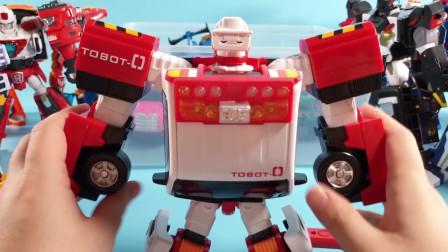 迷你特工队玩玩具:一辆炫酷的小汽车 突然变成了机甲机器人