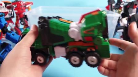 迷你特工队玩玩具:汽车人的变形 谁是最厉害的变形机甲