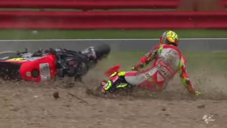 摩托车比赛搞笑瞬间