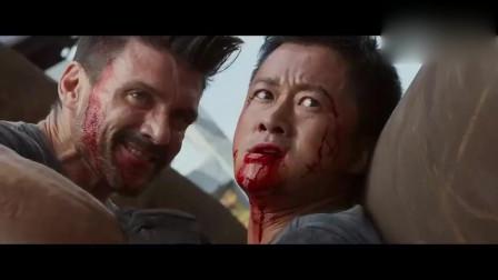 战狼2:老外的独门暗器有点猛,中招就必定出血