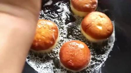 不用烤箱就可以做出的蓬松小蛋糕