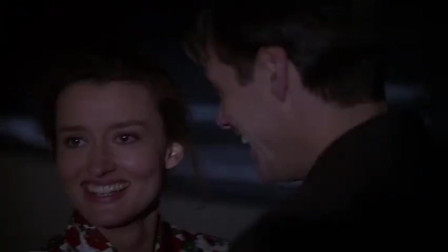 楚门的世界:施维亚说,你身边的人都是虚构么,楚门该怎么去相信她的话!