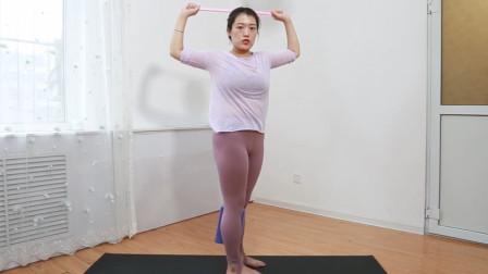 让背部越练越薄的动作1个动作5分钟开肩美背消副乳简单有效果