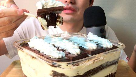 ☆ Yumaゆま ☆  Costco超大提拉米苏盒子蛋糕配森永巧克力脆皮冰淇淋排、奶油  食音咀嚼音(新)