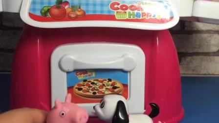 少儿益智亲子玩具:猪奶奶不知道热狗是什么,小朋友们快告诉她!