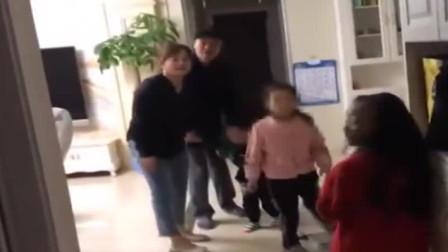 无为:三岁男孩反锁家中, 消防悬降救援