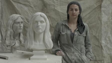国外女子对比人脸进行雕塑,每一块都极其逼真,艺术大师
