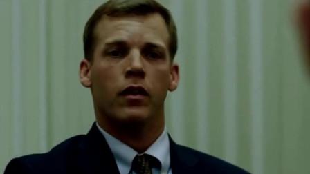 谍影重重片段7—伯恩故意犯错被抓,警长以为普通罪犯瞬间被打晕