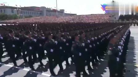 中国抗战胜利70年大阅兵有多震撼?看普京的表情你就明白了