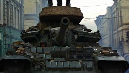 这才是动作猛片,007驾驶一辆军用坦克,在大街上横空直撞