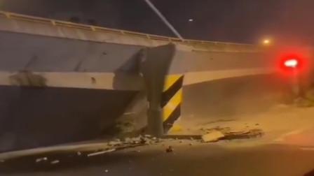 突发!无锡312国道锡港路上跨桥垮塌 多辆小汽车被压