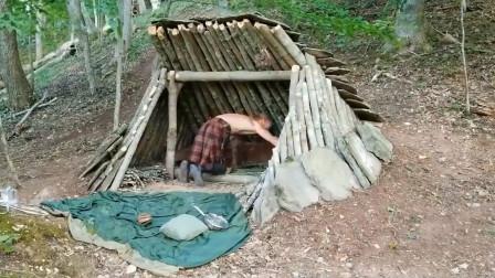 野外生存,如何搭建实木庇护所,你也可以学着盖一个!