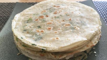 在家这样做葱油饼,不和面不加一滴水,简单几步,酥脆多层,好吃