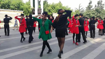 水兵舞开场步,用三种不同基本步展示,跳出来的感觉也是不一样的