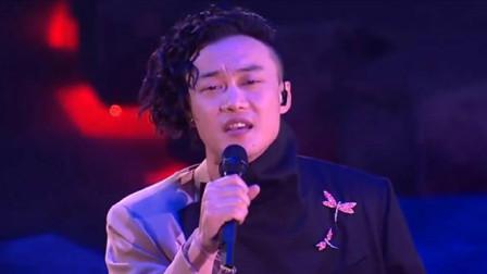 陈奕迅实力演绎《浮夸》歌词中的呐喊,是无数人心底最真实的声音