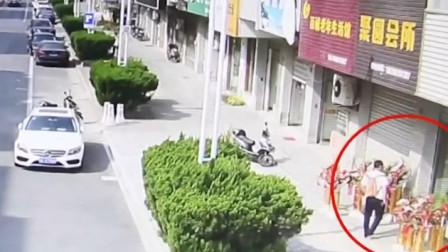 手机被盗后女子发了条短信 小偷竟乖乖将手机还了回来