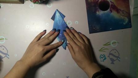 手工折纸,小姐姐用卡纸做章鱼,非常可爱的小动物